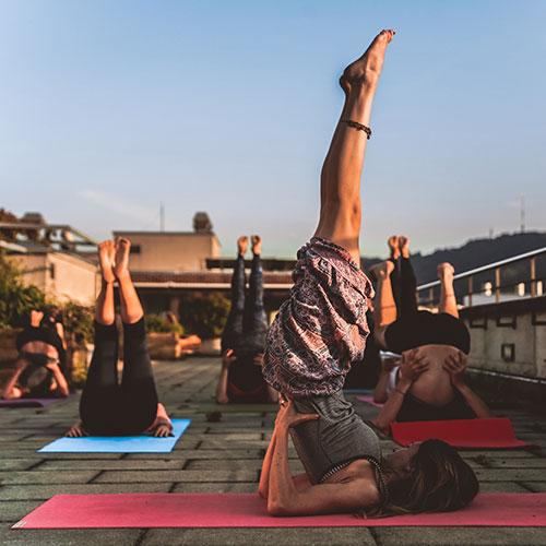 team-building-outdoor-yoga-03